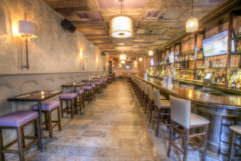 Hell S Kitchen Hidden Gem Ivy Bar Grill