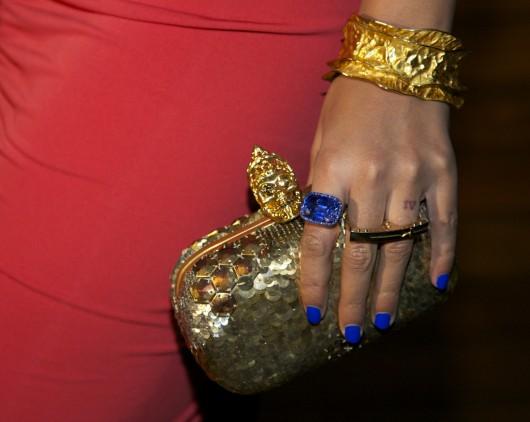 Beyonce-alexander-mcqueen-clutch-blue-ivy-carter-530x422.jpg