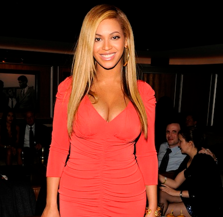 beyonce-in-alice-temperley-jayz-carnegie-hall-concert_thumb.png